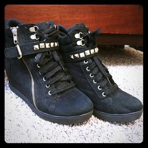 Xhilaration Black and Gold Sneaker Wedges